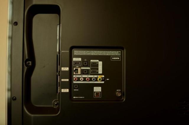 samsung smart tv ports