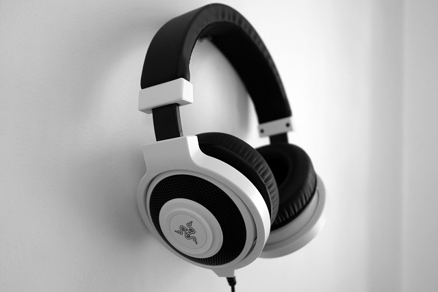 Explained These Are The Different Types Of Headphones Dignited