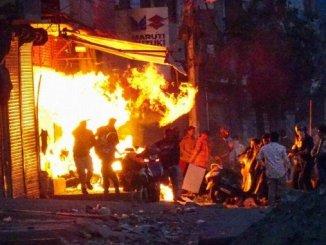 Delhi violence Rioters set ablaze Rashid's shop in Gokulpuri where Krishna had her boutique - Digpu