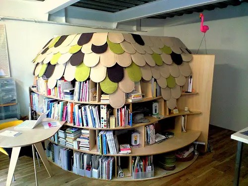 Creative Bookcase Bedroom (via <a rel=