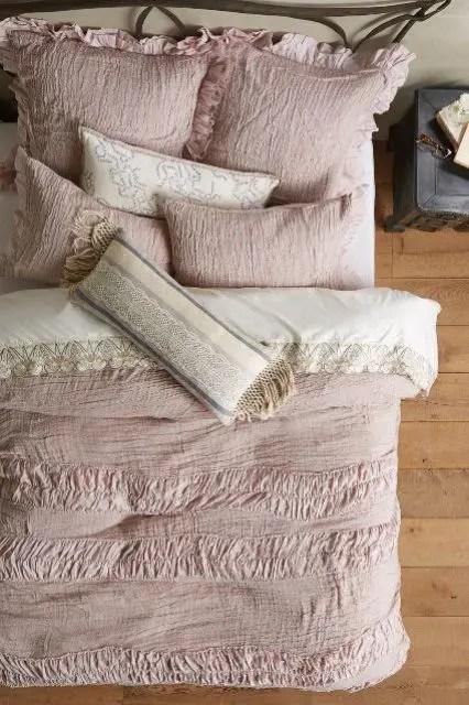 36 Adorable Bedding Ideas For Feminine Bedrooms Digsdigs