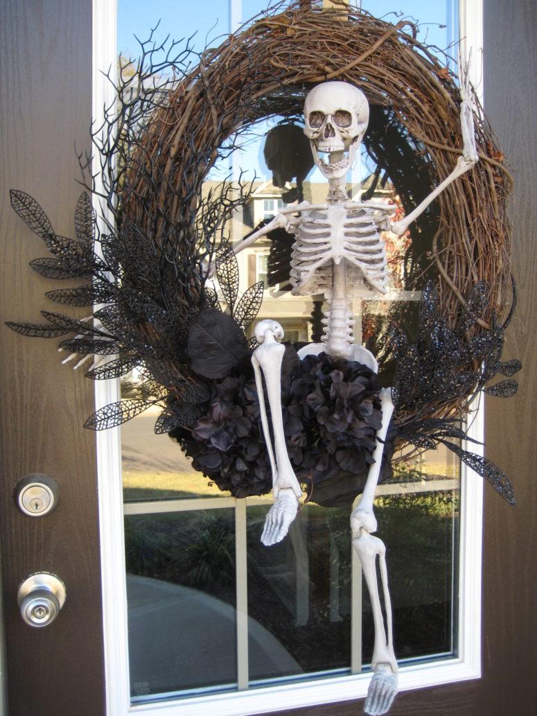 √ Cool Outdoor Halloween Decorations