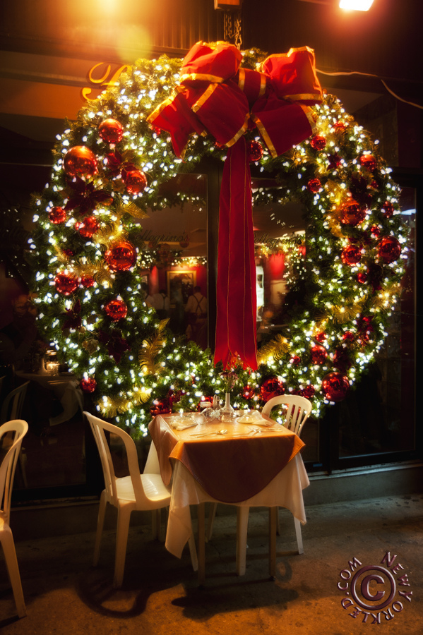 75 Awesome Christmas Wreaths Ideas For All Types Of Dcor  DigsDigs