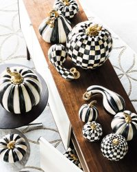70 Ideas For Elegant Black And White Halloween Decor ...
