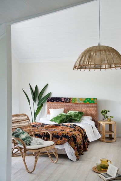 bright tropical bedroom designs 53 Bright Tropical Bedroom Designs - DigsDigs