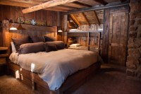 65 Cozy Rustic Bedroom Design Ideas