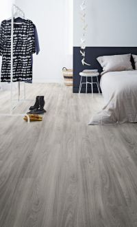 29 Vinyl Flooring Ideas With Pros And Cons - DigsDigs