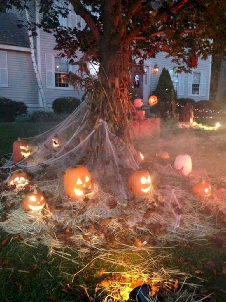 47 Creepy And Cool Halloween Yard Decor Ideas Digsdigs