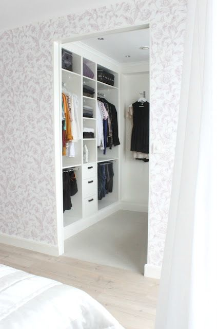4 Small WalkIn Closet Organization Tips And 28 Ideas