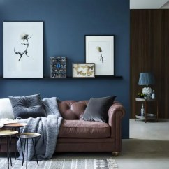 Living Room Design Ideas With Brown Leather Sofa Rooms Lamps 33 Cool And Blue Designs Digsdigs Chic Seating Area A Navy Accent Wall Textiles
