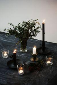 34 Moody And Dark Christmas Dcor Ideas - DigsDigs