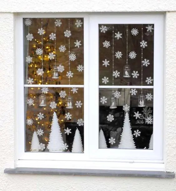 37 Cute Christmas Window Dcorations