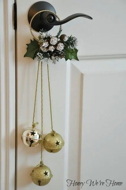 39 Christmas Door Dcor Ideas That Arent Wreaths DigsDigs