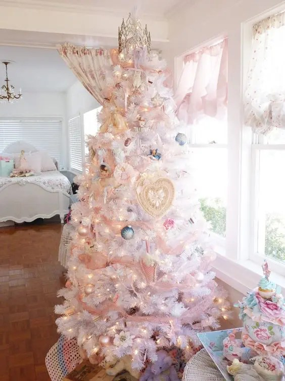 44 Delicate Shabby Chic Christmas Dcor Ideas  DigsDigs