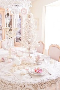 44 Delicate Shabby Chic Christmas Dcor Ideas - DigsDigs