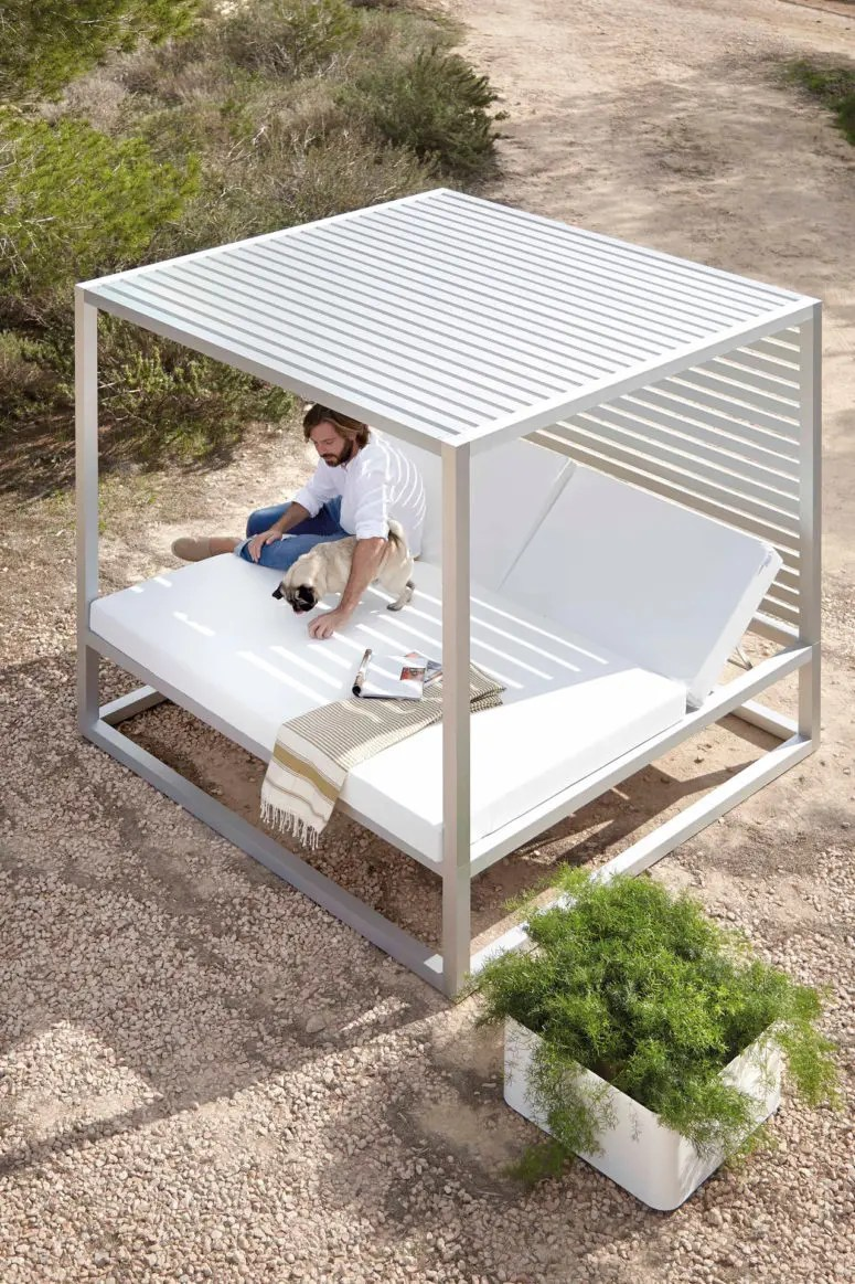 cane patio chairs chair posture back pain 10 luxurious outdoor daybeds to have a comfy nap - digsdigs