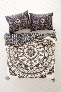 33 Boho Chic And Gypsy Inspired Bedding Ideas - DigsDigs