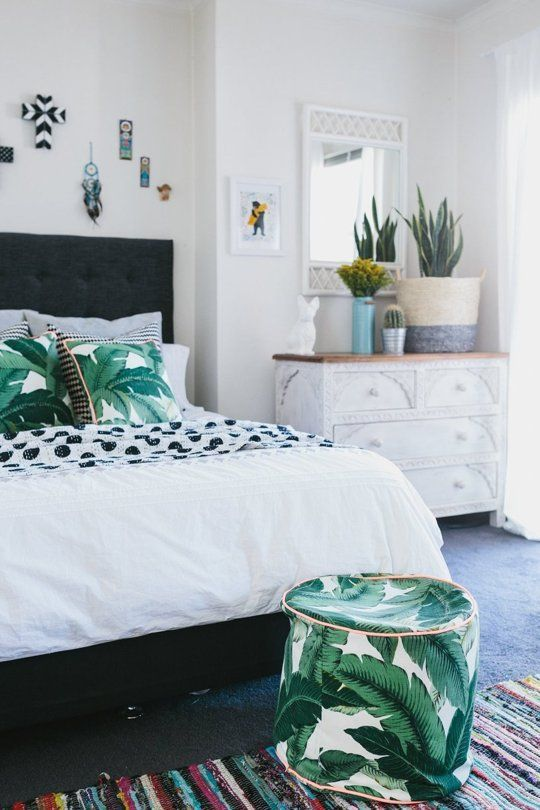30 Stylish And Timeless Tropical Leaf Dcor Ideas  DigsDigs