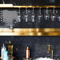Copper Kitchen Countertops Glass Knobs For Cabinets 30 Timeless And Chic Glossy Tile Decor Ideas - Digsdigs