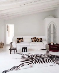 Go Wild: 34 Animal Print Ideas For Your Home - DigsDigs