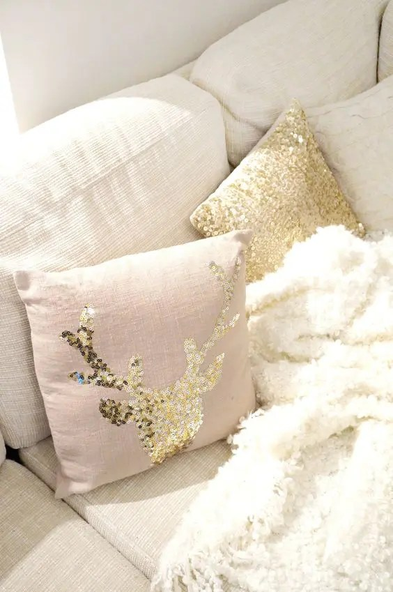 25 Sequin Christmas Decor Ideas For Glam Lovers  DigsDigs