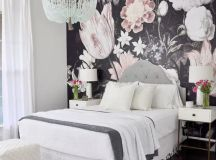 realistic floral wwallpaper si a nice choice to make a statement in a girlish bedroom