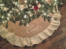 a burlap Christmas tree skirt is easy to make an is very budget-friendly