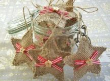 little burlap star ornaments with plaid bows and star buttons for a cute rustic tree