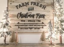a vintage pallet Christmas sign will add a cool feel to any space