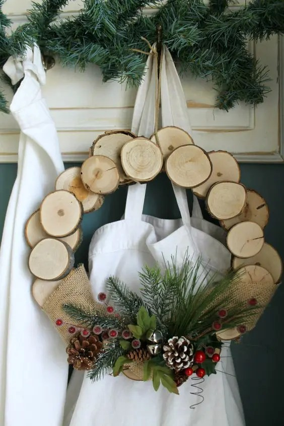 25 Rustic Wood Slice Christmas Decor Ideas  DigsDigs