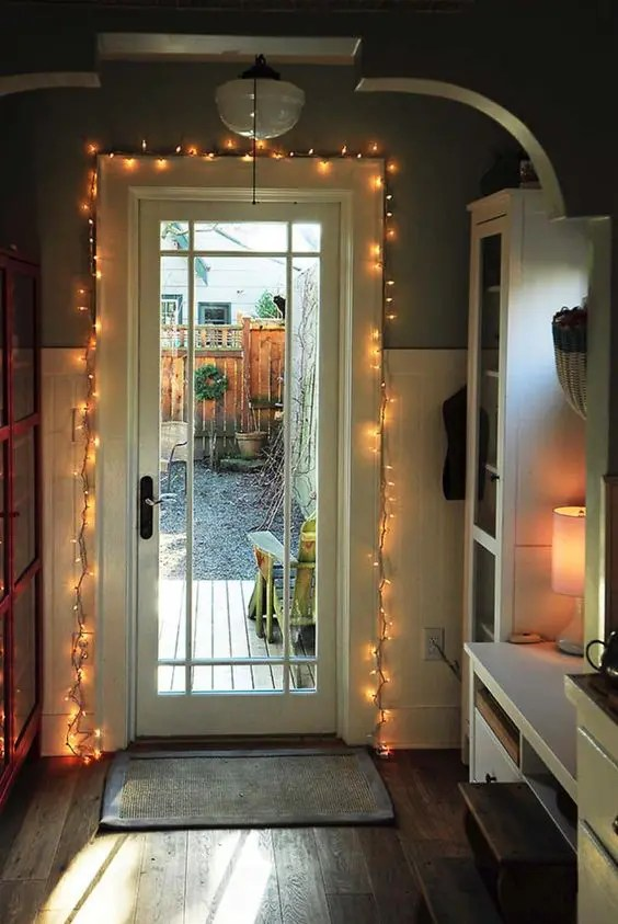 25 Chic String Lights Ideas For Entryways  DigsDigs