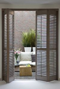 25 Ways To Reuse Old Shutters In Home Decor - DigsDigs