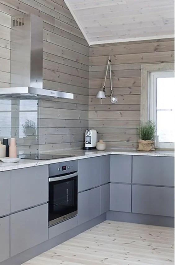24 wooden kitchen backsplashes for a