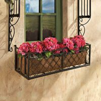 25 Window Box Planters To Welcome Spring - DigsDigs