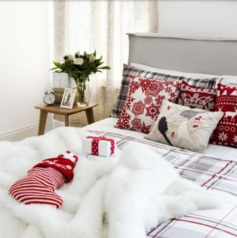 32 Adorable Christmas Bedroom Décor Ideas