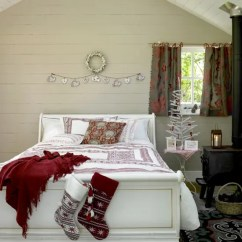 Modern White Living Rooms Country Room Decorating Ideas 32 Adorable Christmas Bedroom Décor - Digsdigs