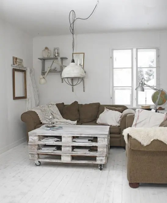 38 Adorable White Washed Furniture Pieces For Shabby Chic And Beach Dcor  DigsDigs