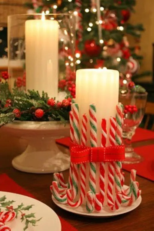 23 Amazing Christmas Candles And Decorations With Them
