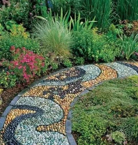32 Amazing Pebble Garden Paths DigsDigs