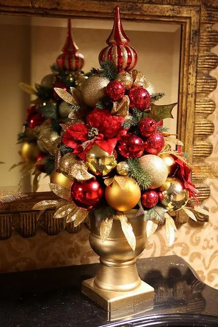 32 Amazing Red And Gold Christmas Dcor Ideas  DigsDigs