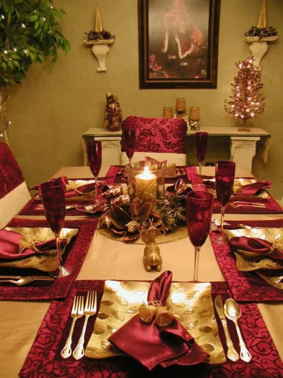 christmas dining chair covers uk slip cover for wing 32 amazing red and gold décor ideas - digsdigs