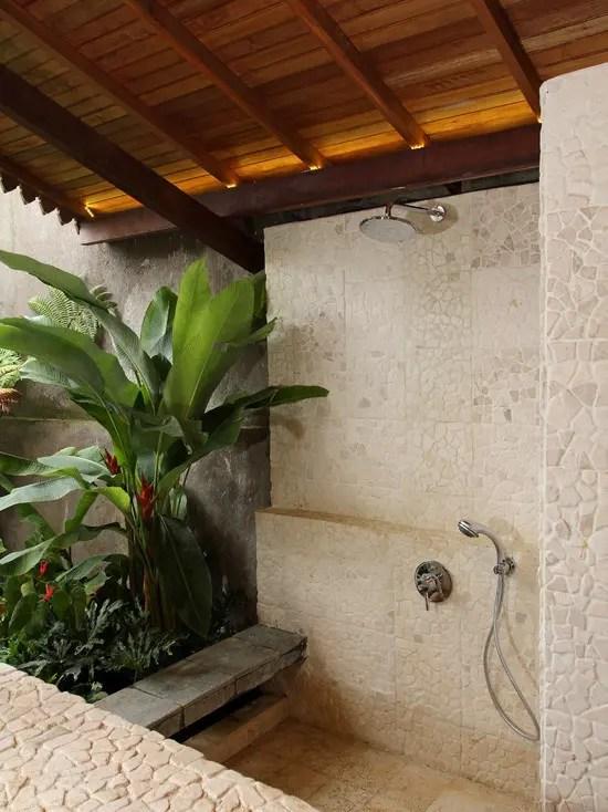 42 Amazing Tropical Bathroom Dcor Ideas  DigsDigs