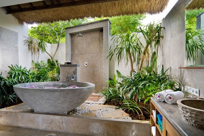 42 Amazing Tropical Bathroom Dcor Ideas  DigsDigs
