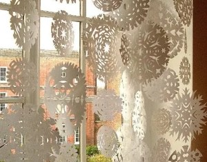 Christmas Decorating Ideas Inside Windows
