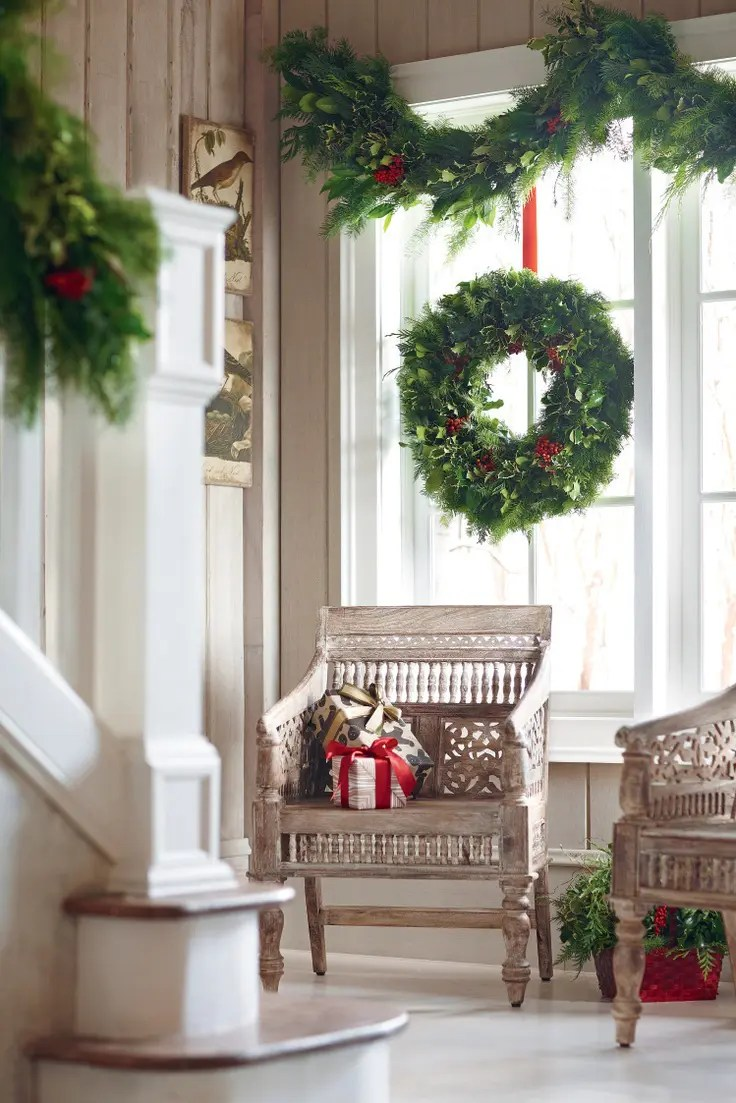 55 Awesome Christmas Window Dcor Ideas  DigsDigs