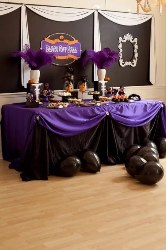 57 Awesome Purple Halloween Dcor Ideas  DigsDigs