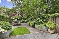 26 Beautiful Townhouse Courtyard Garden Designs | DigsDigs
