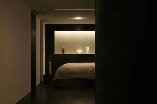 dark bedroom japanese house design