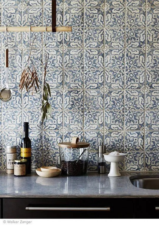 It's likely you and your guests will spend countless hours in this room, discussing and entertaining. 26 Bold Mosaic Kitchen Backsplashes To Get Inspired - DigsDigs