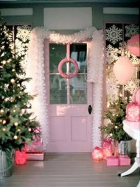 38 Cool Christmas Porch Dcor Ideas - DigsDigs
